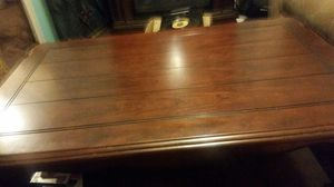 This is a console coffee table that lifts up for Sale in Franklin, TN