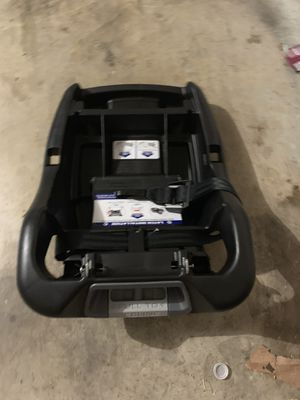 BabyTrends car seat, stroller and two bases instructions included for Sale in Duncanville, TX