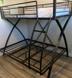 Twin/ Full Bunk Bed for Sale in Buckeye,  AZ