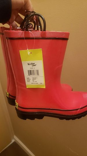 Rain boots for Sale in Lynwood, CA