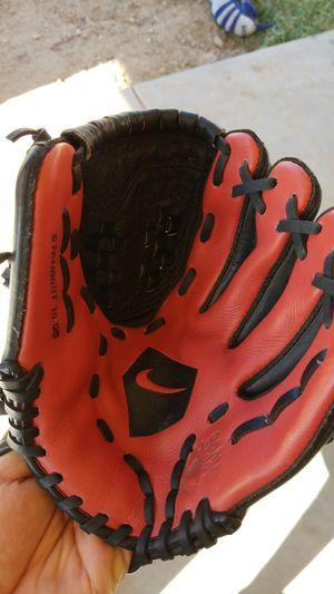 10 inch t-ball Nike Glove for Sale in Avondale, AZ