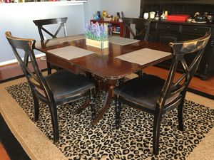 Antique Dining Room Table for Sale in Sterling, VA