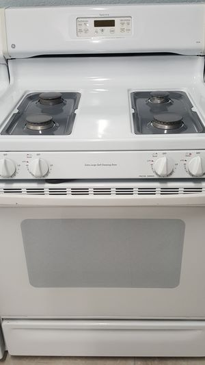 GE extra Large self cleaning oven for Sale in Modesto, CA