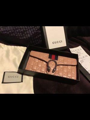 Gucci wallet for Sale in Sylmar, CA