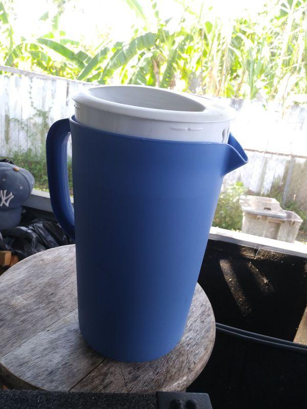 1 Gallon Topper Ware Refreshment Pitcher