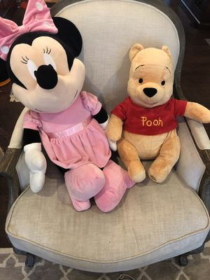 Giant Disney Store Minnie Mouse & Large Winnie the Pooh for Sale in Mill Creek, WA