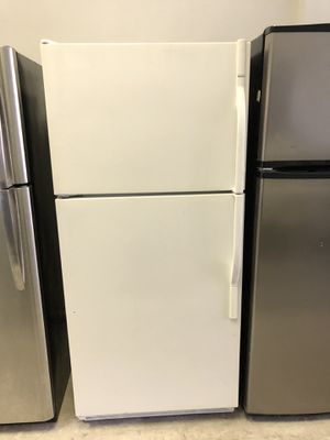 Whirlpool top freezer refrigerator & Frigidaire gas stove set for Sale in Chicago, IL