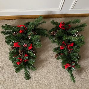 Xmas Wreath - 2 for Sale in Bonney Lake, WA