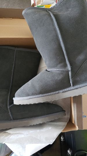 Ausland Grey boots Size 8.5 for Sale in Portland, OR