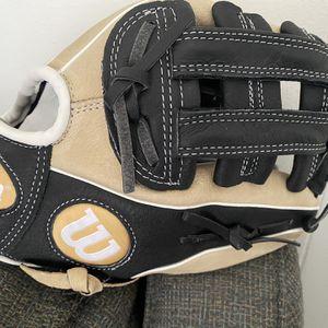 "Wilson A450 11"" - Baseball Glove for Sale in San Antonio, TX"