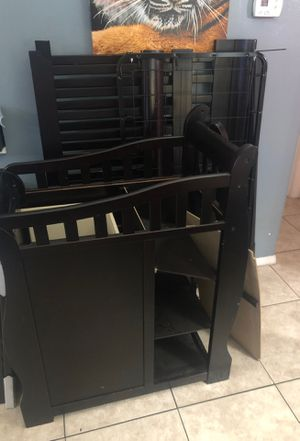 Baby crib and changing table for Sale in Orlando, FL