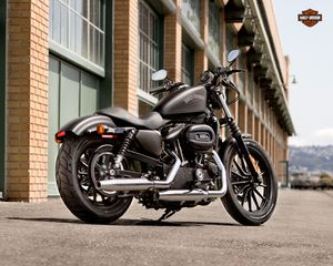 New 2013 harley davidson iron 883 for Sale in Boston, MA
