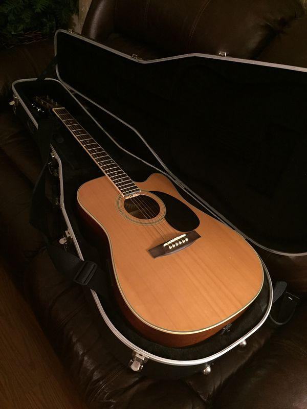 [Move Sale] Austin AU520 Acoustic Electric Guitar (with Hard Case)