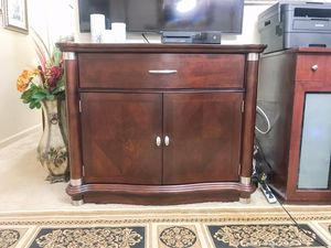 Klaussner 2-doors cabinet with drawer like new for Sale in Purcellville, VA