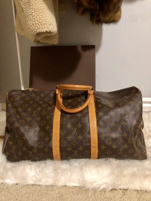 AUTHENTIC LOUIS VUITTON for Sale in BETHEL, WA