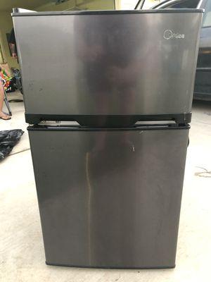 Mini Fridge (split ice box/freezer) for Sale in Waianae, HI