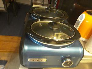 Double slw cooker ,chopper, mini cupcake baker, hand held blender for Sale in Nashville, TN