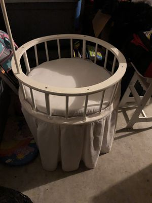 Baby doll crib and high chair for Sale in Felton, DE
