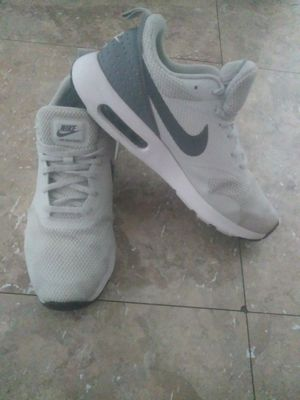 Shoes nike air max tavas size 10.5 for men chequen mis ofertas✌👋😊😚😳😤😉😒 for Sale in Los Angeles, CA