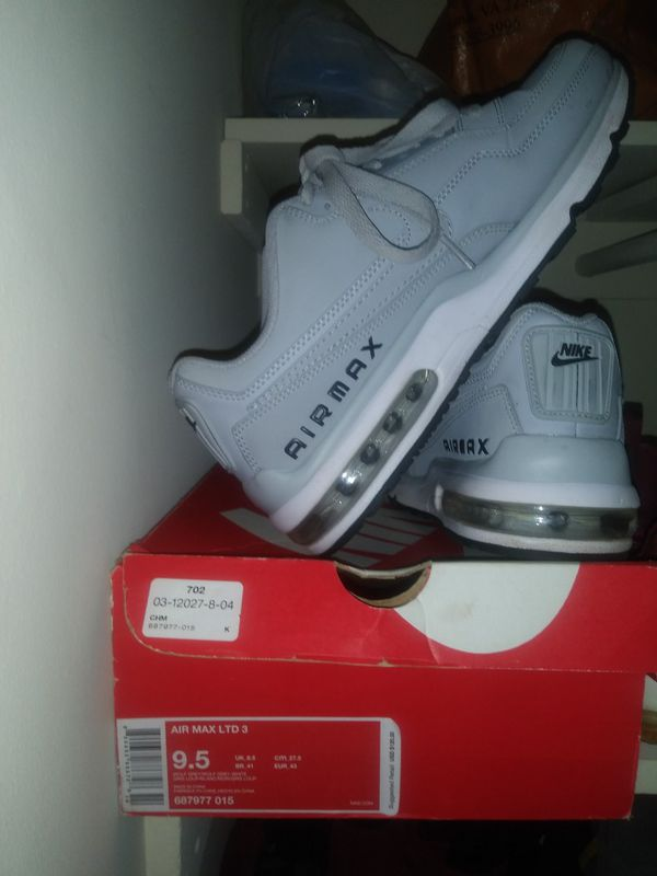 9.5 Nike Airmax
