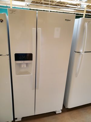 Whirlpool Side By Side Refrigerator for Sale in Corona, CA