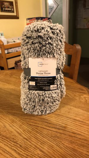 Brand new Mainstays lightweight Sherpa throw $13 best offer soft warm blanket for Sale in Norwalk, CA