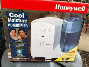 Humidifier Honeywell HCM-2000 New in Box for Sale in Ellicott City, MD