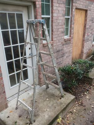 Ladder 6ft for Sale in Dallas, TX