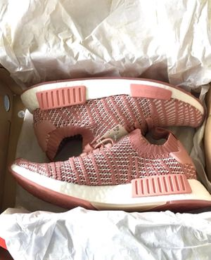 Adidas NMD R1 stlt pink women's size 8.5 for Sale in Berkeley Lake, GA