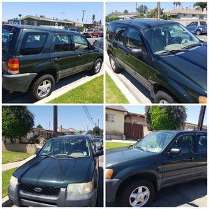 Ford Escape 2003 clean titule for Sale in Compton, CA