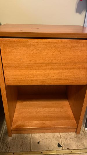 Night stand with drawer for Sale in Ruston, LA