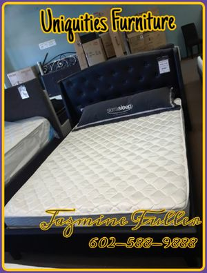 King size platform bed frame with Mattress included for Sale in Peoria, AZ