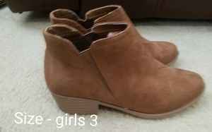 Girls size 3 boots for Sale in Riverview, FL