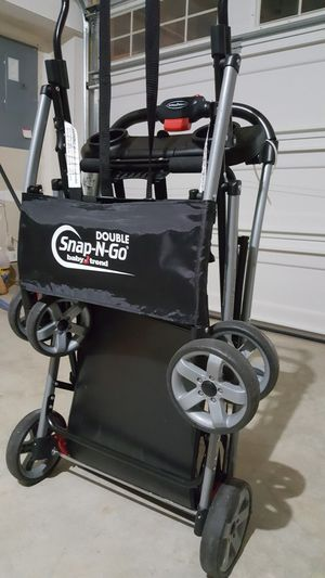 Snap n go double stroller for twins for Sale in Hanover, MD