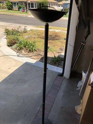 Black floor lamp for Sale in Los Angeles, CA