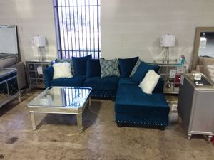 BLUE MICROFIBER SECTIONAL SOFA WITH ACCENT PILLOWS AND NAILHEAD TRIM for Sale in Richardson, TX