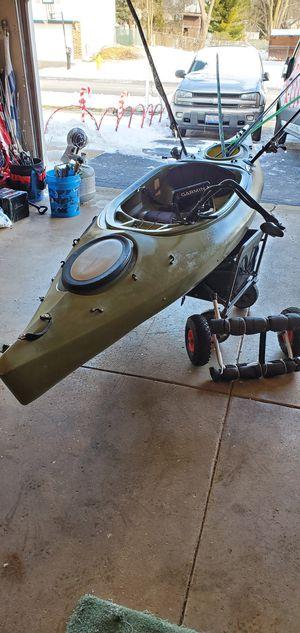 Future Beach 126 Kayak/Garmin 5cv fish finder for Sale in Carol Stream, IL