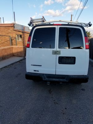 2009 Chevy express 3500 for Sale in Dallas, TX