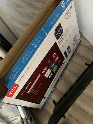 32 inch tcl Roku tv for Sale in Hayward, CA