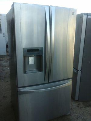 Bottom freezer Kenmore stainless fridge for Sale in Irving, TX