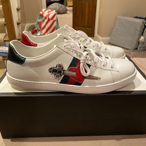 Gucci Ace Heart Danger size 10 used og all 100% Authentic for Sale in Cincinnati, OH