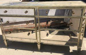 Mirrored dresser / drawers for Sale in Pico Rivera, CA