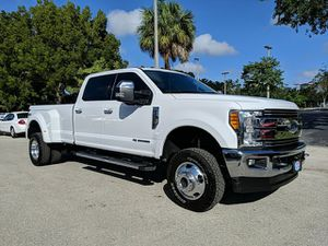 2017 Ford Super Duty F-350 DRW for Sale in Sarasota, FL