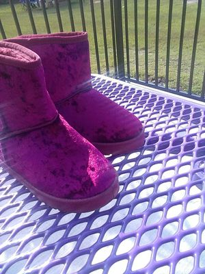 Little girls boots size 3 for Sale in Belvedere, SC