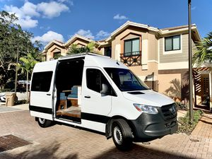 2019 Mercedes Sprinter RV Conversion for Sale in North Miami Beach, FL