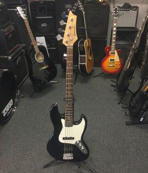 Johnson 4 string bass guitar for Sale in Yucaipa, CA