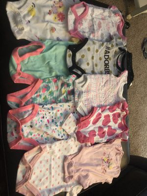 Baby girl clothes 0-3 Months. for Sale in Nashville, TN