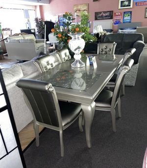 TABLE & 6 CHAIRS for Sale in Andalusia, PA