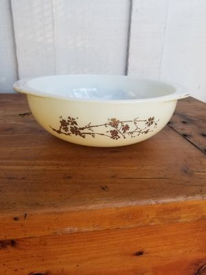 Vintage Pyrex 2 Quart Round Casserole for Sale in Whittier, CA