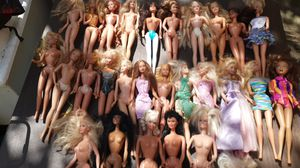 28 Barbie Dolls..vintage to now for Sale in Pompano Beach, FL